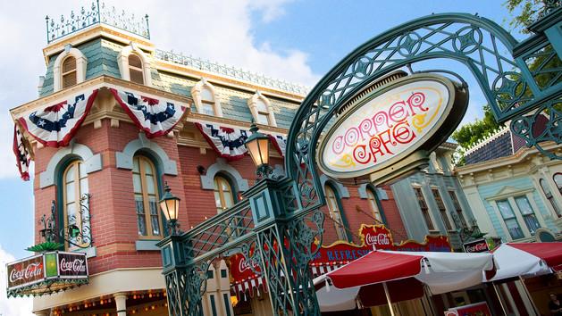 Disneyland Refreshment Corner Main Street Usa