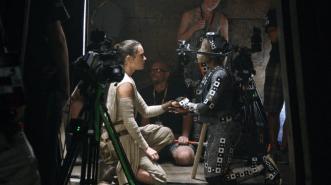 Star Wars The Force Awakens Blu Ray Documentary Secrets Han Solo Kylo Ren Dying Scene Maz Kanata Motion Capture