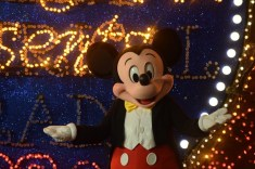 Main Street Electrical Parade Disneyland Premiere 2017 Mickey Mouse