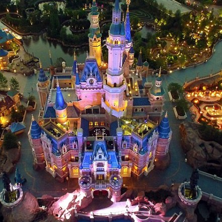 345256B300000578-3596555-Aerial_view_of_the_illuminated_Shanghai_Disneyland_castle_as_par-a-119_1463576520750