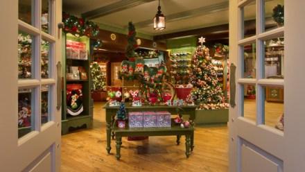 ye-olde-christmas-shoppe-00
