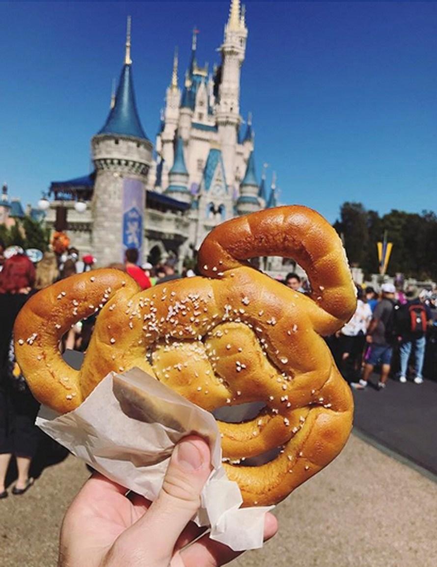mickey-pretzels
