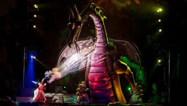 fantasmic_disneyland_maxpass