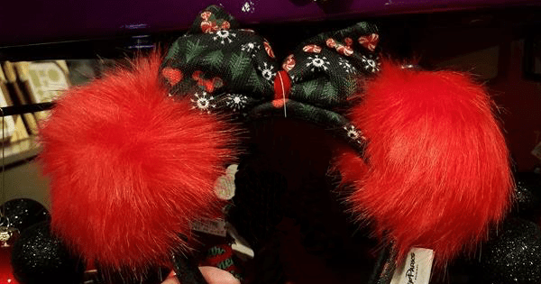 ugly sweater christmas minnie ears at disney springs