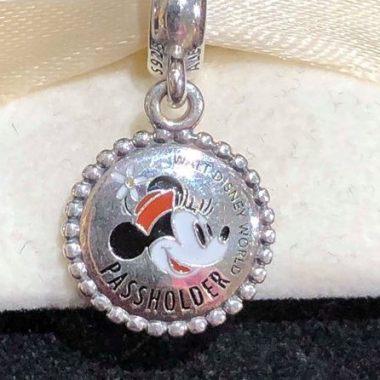 Minnie Passholder Pandora Charm
