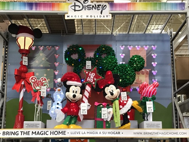 Lowes Christmas Decorations.Disney Christmas Decor Makes Its Debut At Lowes