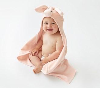 winnie-the-pooh-piglet-baby-hooded-towel-o