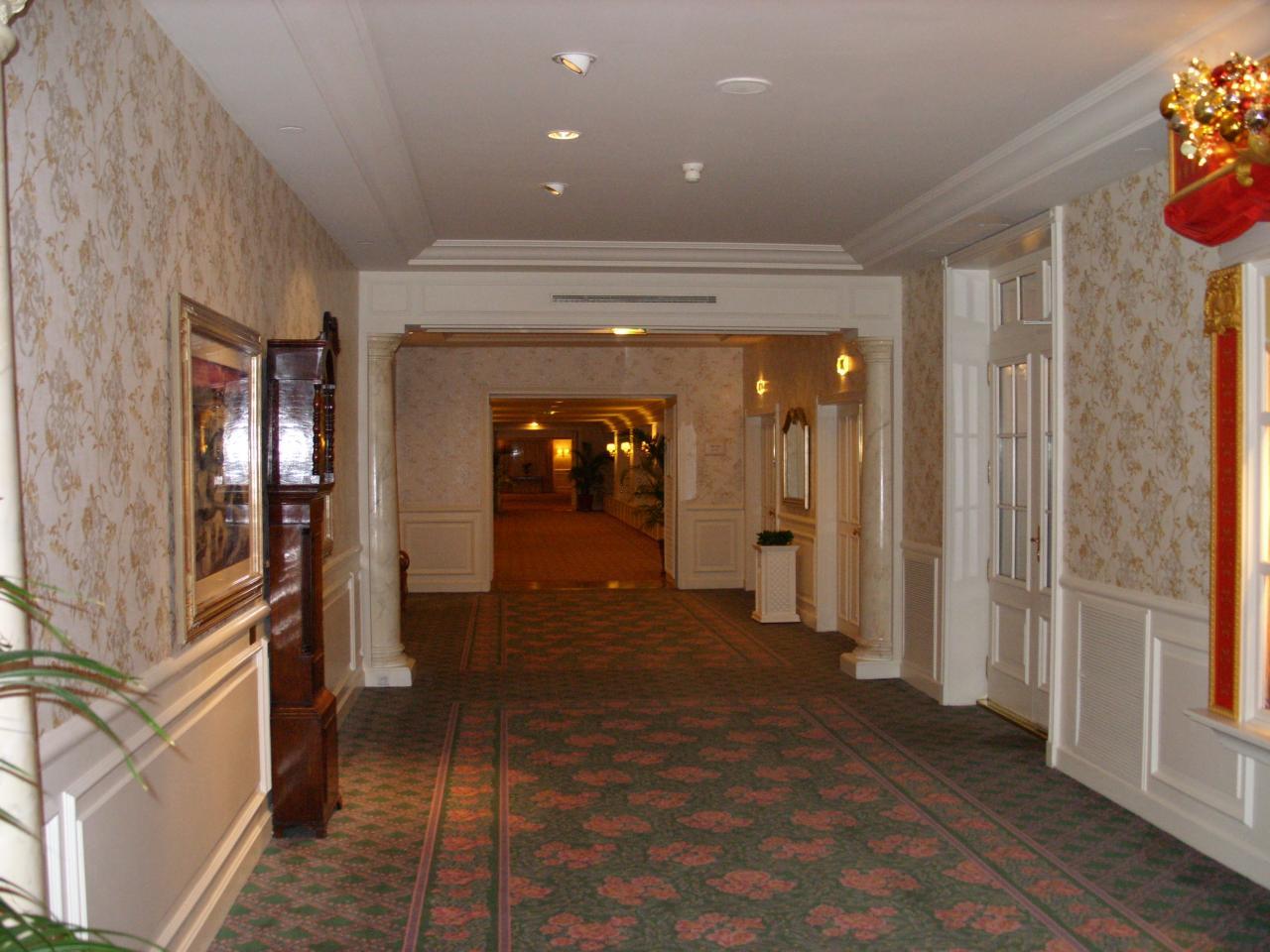 Prsentation Du Disneyland Hotel Disneyland Paris