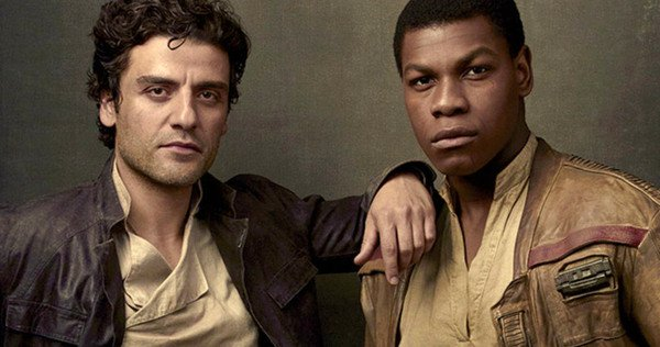 """Oscar Isaac Stirs """"Star Wars"""" Shipping Fans with His Opinion on John Boyega's Kiss Scene in """"The Last Jedi"""""""