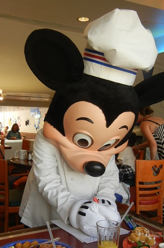 facts about mickey mouse disney world