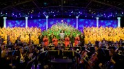epcot candlelight processional narrators