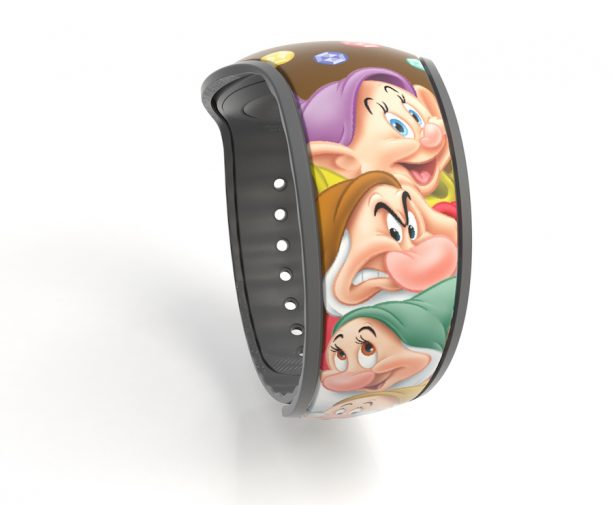 snow white and the seven dwarfs magicband