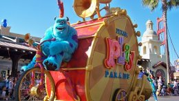 Pixar Play Parade disneyland