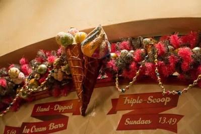 Clarabelle's Hand Scooped Ice Cream (Disneyland)