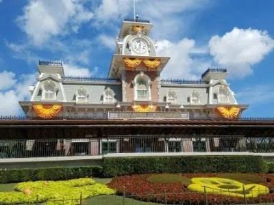 Walt Disney World Railroad (Disney World Ride)