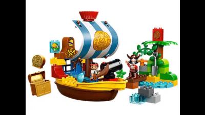 Disney Jake's Pirate Ship Bucky LEGO Set