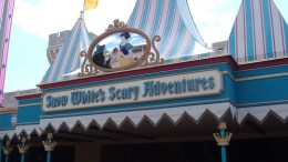 Snow White's Scary Adventure   Extinct Disney World Attractions