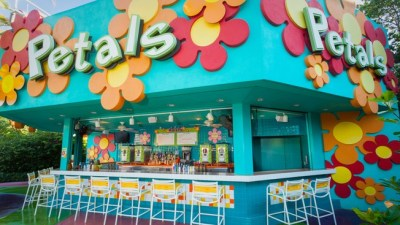 Petals Pool Bar (Disney World)