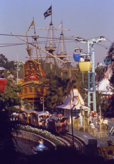 Chicken of the Sea Pirate Ship– Extinct Disneyland Attractions