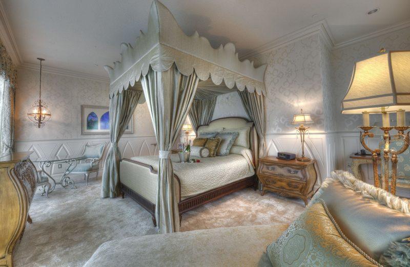 Signature Suites of the Disneyland Hotel