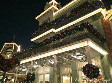 Main Street 2 - Christmas at Magic Kingdom
