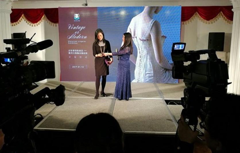 Lingbo Zheng, co-organisatrice de l'exposition