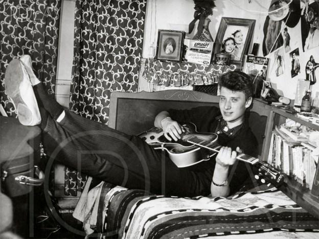 1960 Johnny Hallyday-Display-productions.com--cosy-guitare