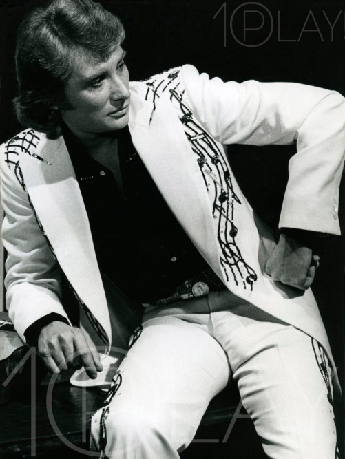 1976 Johnny Hallyday-Display-productions.com--Costume-Notes musique