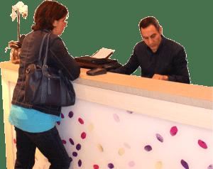 Dispotel Gestion, sous-traitance hôtelière, service réceptionniste
