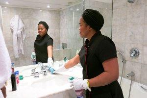 Femme de chambre - Salle de bain