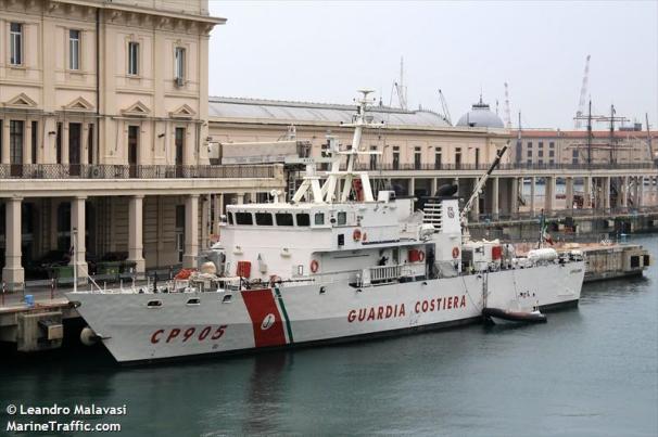 RIFUGIATI - CP_905 PELUSO
