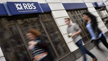 RBS adopts Apple fingerprint security for banking app