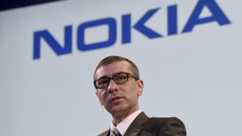 Nokia plays down shareholder opposition to Alcatel-Lucent deal