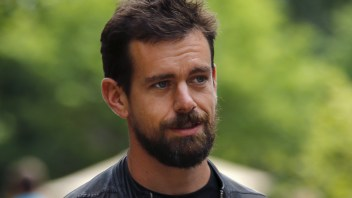 Twitter CEO and CFO critical comments scare shareholders