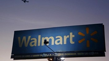 Wal-Mart increases investment in e-commerce, targets Amazon