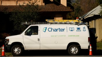 FCC reverses decision on Charter extending broadband services