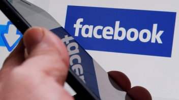 Privacy – Facebook's data transfer mechanism could pose new legal threat
