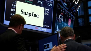 Snap shares plunge as first results shock stock market
