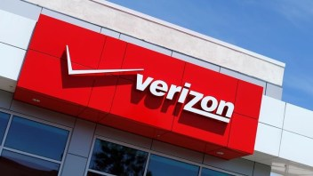 Verizon beats AT&T to grab spectrum holder Straight Path