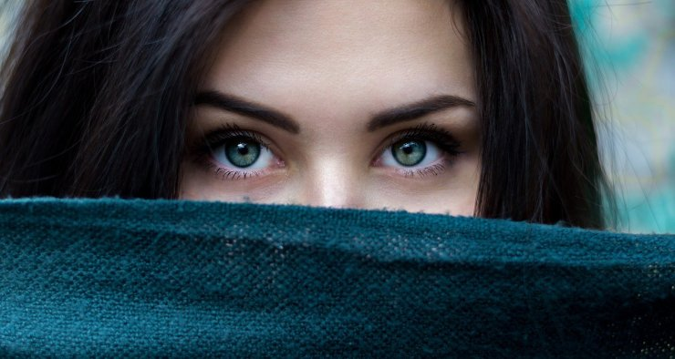 girl with beautiful eyebrows