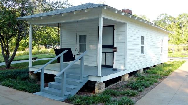 Shotgun house in Tupelo, Mississippi