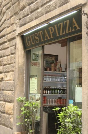 gusta pizza | distantlocals.com