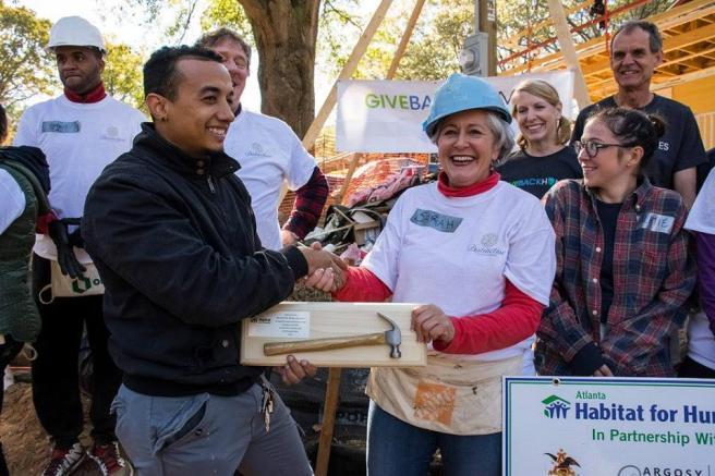 giveback_homes_atlanta_habitat_for_humanity_sarah_chatel