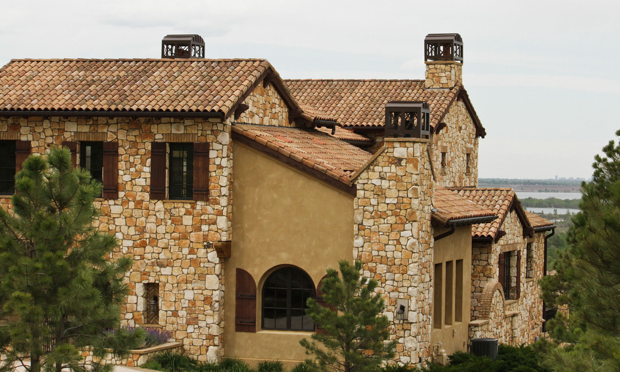 Distinctive Custom Roofing Roofline