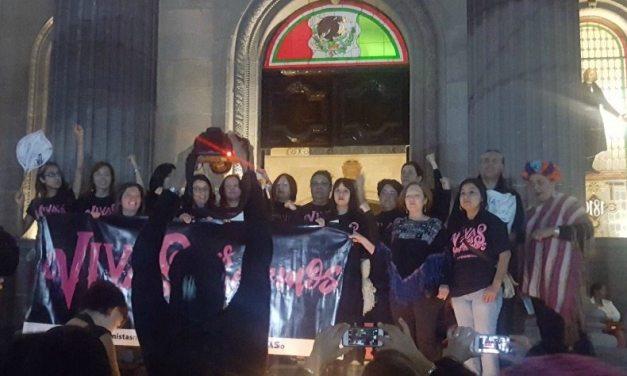 Exigen en silencio justicia para desaparecidas en Nuevo León