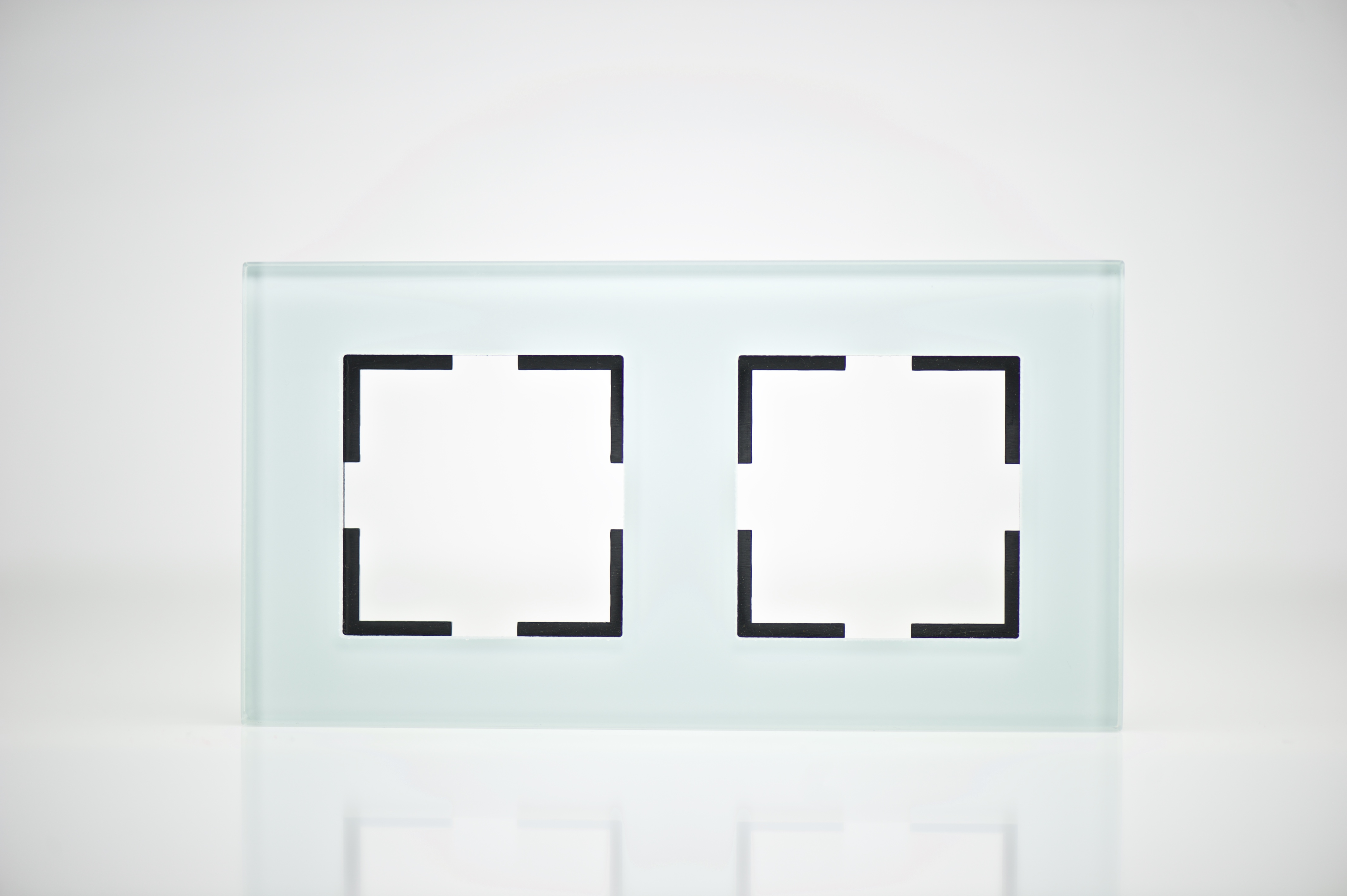 Plaque De Finition Verre Vert 2 Postes 84x159x10mm Distock Matriel Lectrique Et Solutions