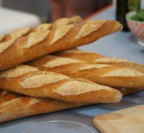 Los españoles prefieren comprar el pan en supermercados que en panaderías artesanas