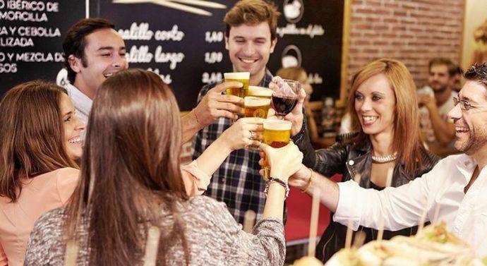 Los españoles apuestan por recibir el 2018 en restaurantes: las reservas para cenar en Nochevieja se elevan un 22%