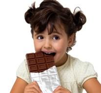 Odontopediatras recomiendan no dejar que los niños abusen de los dulces en las fechas navideñas