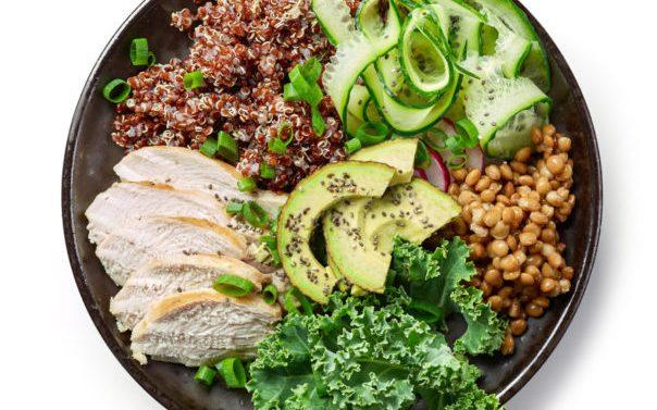 ¿Cuáles son los ingredientes que debería llevar la ensalada perfecta?